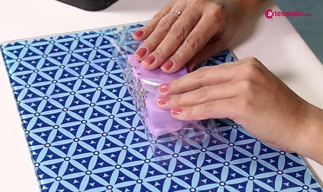 embalando sabonete
