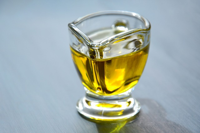 como fazer óleo essencial